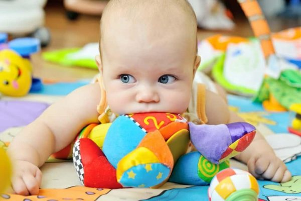 Качествените играчки не носят риск, а само радост на детето